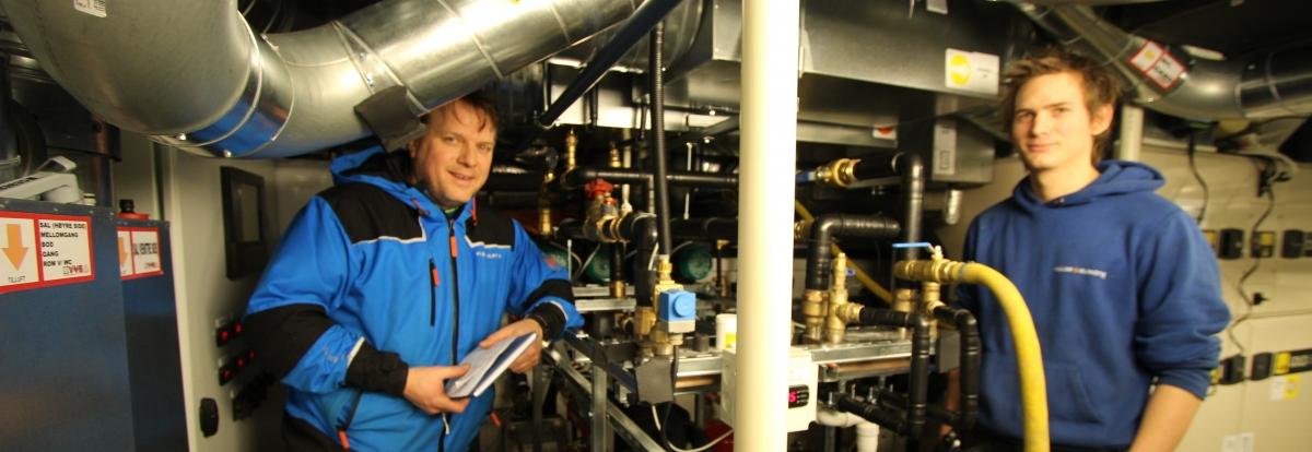 Anders og Kjetil, maskinrom Brosundet Hotell