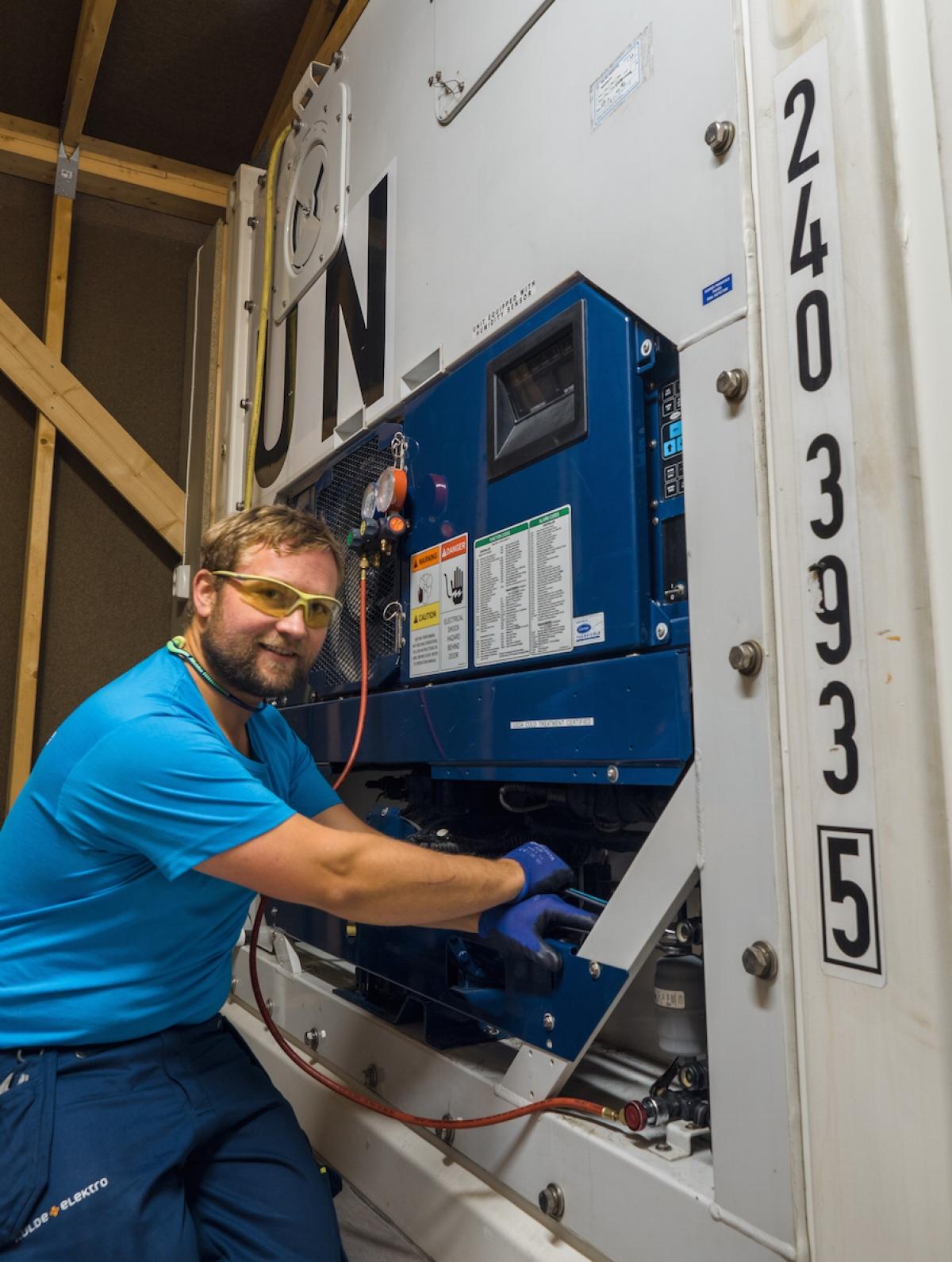 Service-container-filterbytte-kuldeelektro